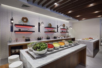 Food and Drink | The Madison Concourse Hotel and Governor's Club