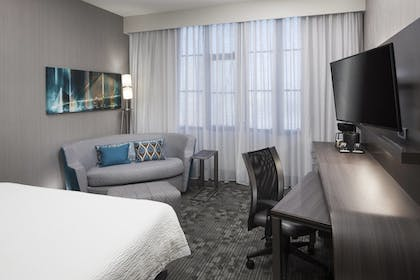 Room | Courtyard by Marriott Omaha Downtown