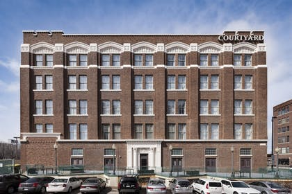 Exterior | Courtyard by Marriott Omaha Downtown