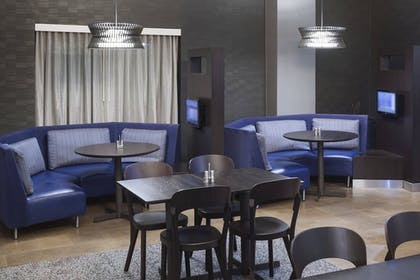 Living Area | Courtyard by Marriott Omaha Downtown