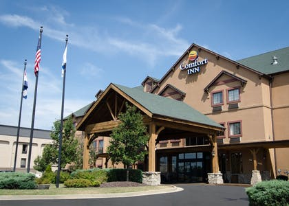Property Grounds | Comfort Inn St. Robert / Fort Leonard Wood