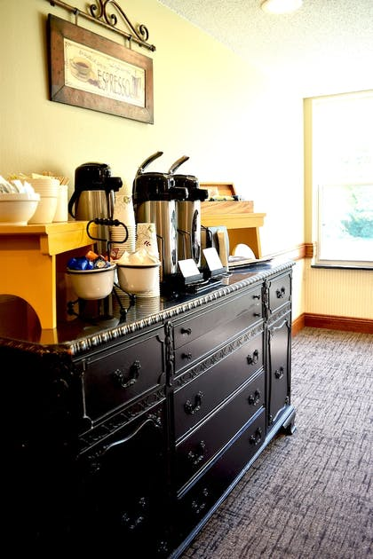 Coffee Service | Country Inn River Falls