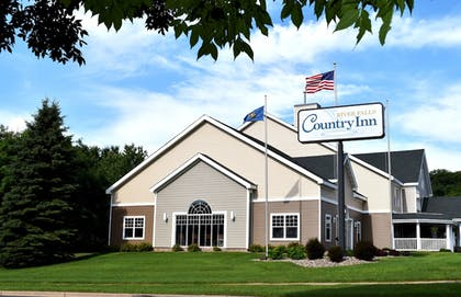 Featured Image | Country Inn River Falls
