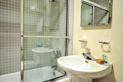Bathroom   The Historic Crags Lodge by Diamond Resorts