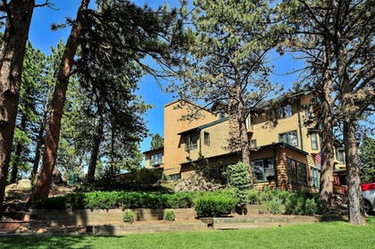Exterior   The Historic Crags Lodge by Diamond Resorts