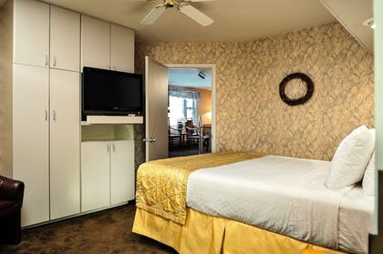 Guestroom   The Historic Crags Lodge by Diamond Resorts