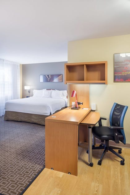 Guestroom | TownePlace Suites by Marriott Portland Hillsboro