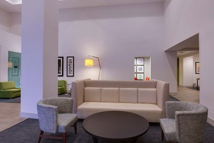 Lobby | Holiday Inn Express Orlando International Airport