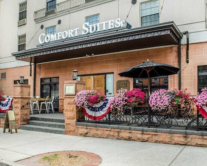 Featured Image | Comfort Suites Downtown Carlisle