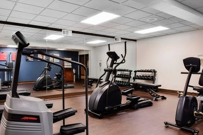Fitness Facility | Comfort Suites Downtown Carlisle