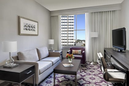 Guestroom | Courtyard by Marriott San Diego Downtown