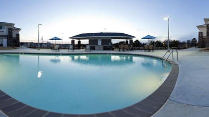 Outdoor Pool | Holiday Inn Express Monticello
