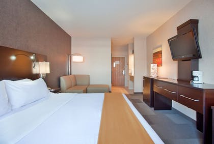 Guestroom   Holiday Inn Express Hotel & Suites Beatrice