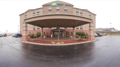 Hotel Front   Holiday Inn Express Suites Charleston