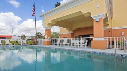 Pool | Best Western Plus Sanford Airport/Lake Mary Hotel