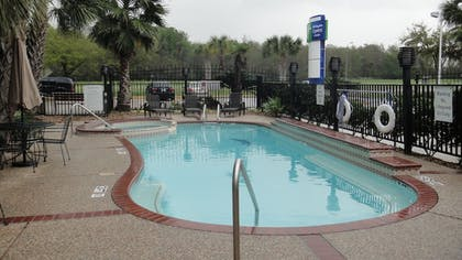 Pool | Holiday Inn Express & Suites Houston North Intercontinental
