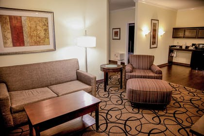 Guestroom | Holiday Inn Express & Suites Houston North Intercontinental