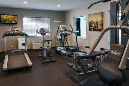Fitness Facility | Best Western Crown Inn & Suites