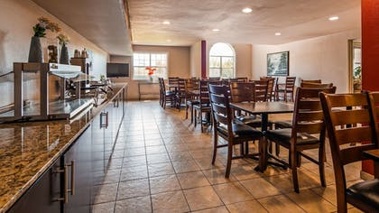 Restaurant | SureStay Plus Hotel by Best Western Rocklin