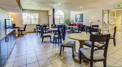 Breakfast Area | SureStay Plus Hotel by Best Western Rocklin