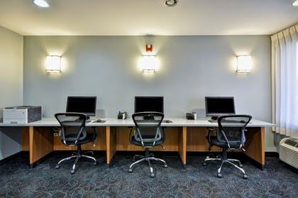 Business Center | Holiday Inn Express Romulus / Detroit Airport