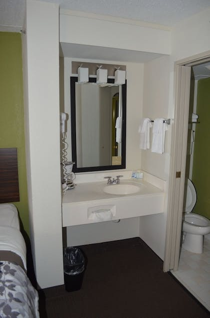 Bathroom | Sleep Inn Airport