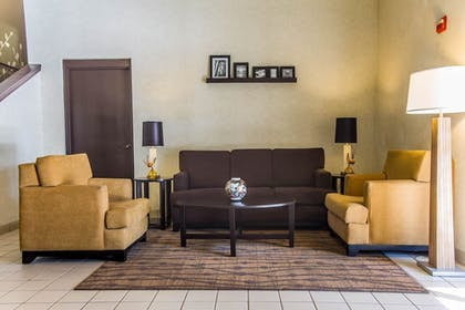 Lobby | Sleep Inn Airport