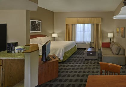 Guestroom | TownePlace Suites by Marriott St. Petersburg Clearwater