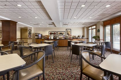 Restaurant | Wingate by Wyndham Charlotte Airport South/ I-77 Tyvola Road
