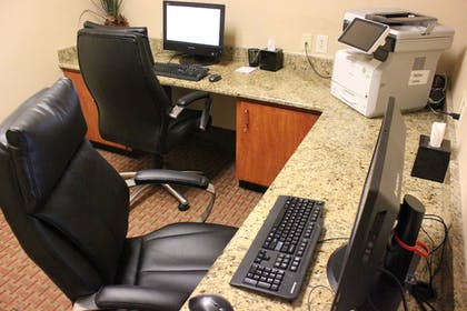 Business Center | Wingate by Wyndham Charlotte Airport South/ I-77 Tyvola Road