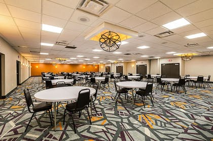 Meeting Facility | Clarion Inn & Suites Near Downtown