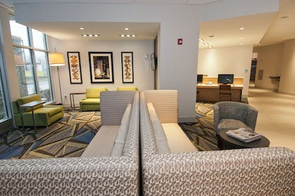 Lobby Sitting Area | Holiday Inn Express & Suites Johnstown