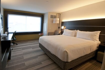 Guestroom | Holiday Inn Express & Suites Johnstown