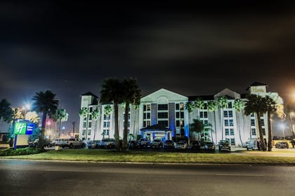 Exterior | Holiday Inn Express Harlingen