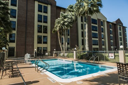 Pool | Holiday Inn Express Harlingen