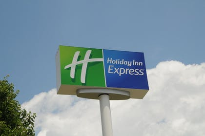 Exterior | Holiday Inn Express Winchester South-Stephens City
