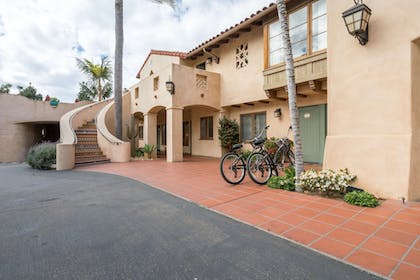 Property Grounds | Brisas del Mar, Inn at the Beach