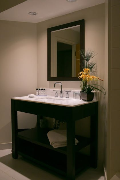 Bathroom | Heritage Hotel, Golf, Spa & Conference Center, BW Premier Collection