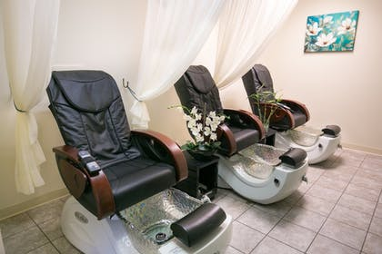 Nail Salon | Heritage Hotel, Golf, Spa & Conference Center, BW Premier Collection