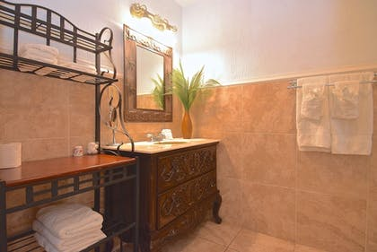 Bathroom | Turtle Beach Resort and Inn