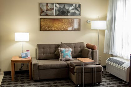 Guestroom | TownePlace Suites by Marriott Lafayette