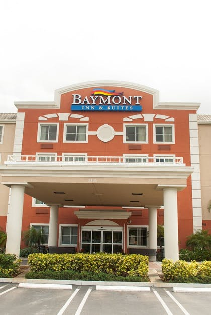 Front of Property | Baymont by Wyndham Miami Doral