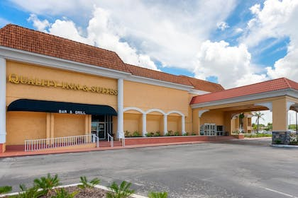 Front of Property | Quality Inn & Suites Conference Center