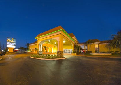 Exterior | Quality Inn & Suites Conference Center
