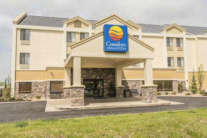 Aerial View | Comfort Inn & Suites Kansas City - Northeast