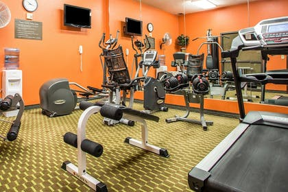 Fitness Facility | Comfort Inn & Suites Kansas City - Northeast