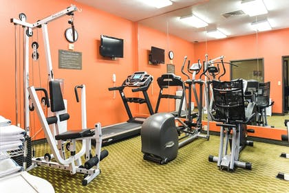 Gym | Comfort Inn & Suites Kansas City - Northeast