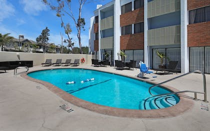 Outdoor Pool | Holiday Inn Express Port Hueneme