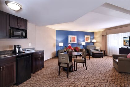 Guestroom | Holiday Inn Express Port Hueneme