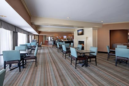 Breakfast Area | Holiday Inn Express Port Hueneme